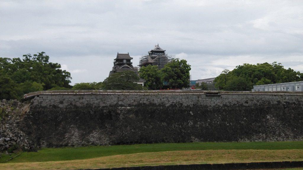 二の丸広場から熊本城