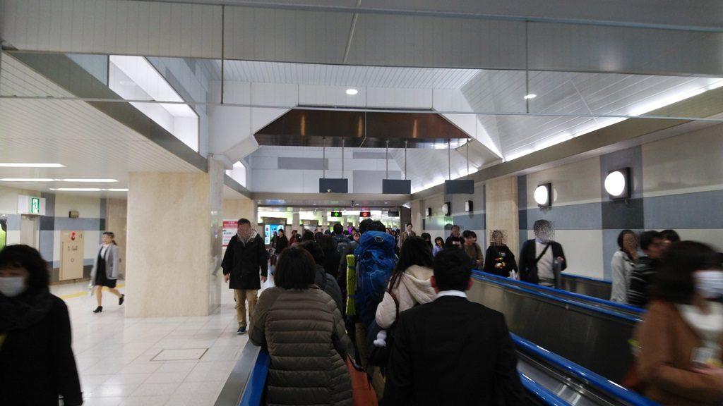 京葉線へ動く歩道2