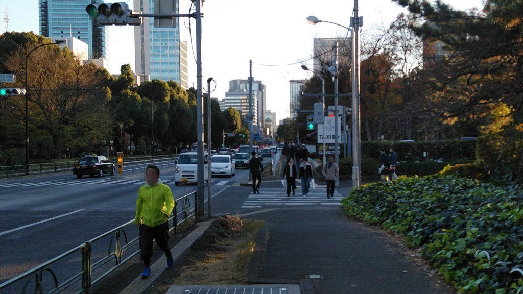 御成門から東京タワー