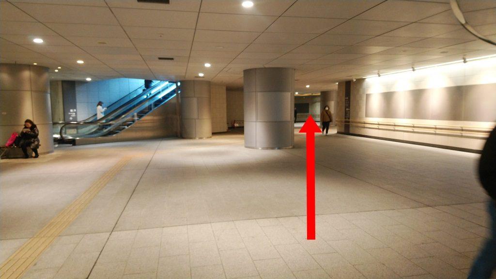 JRから地下鉄地下3