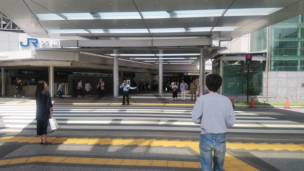 阪神東口からJR5