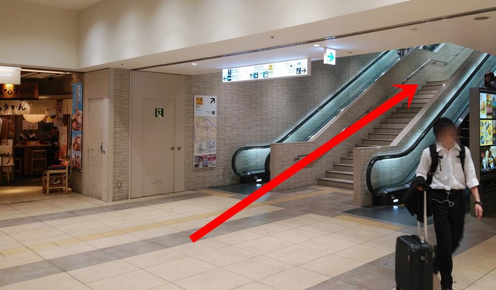 地下鉄博多から在来線5