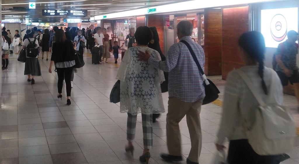 西梅田から御堂筋線4