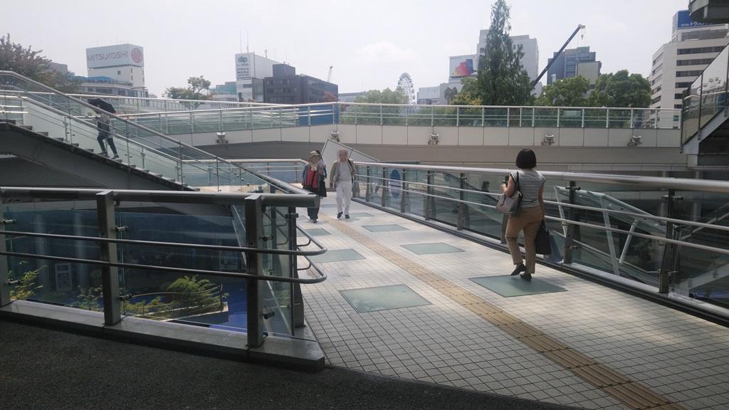 バスターミナルから東山線2