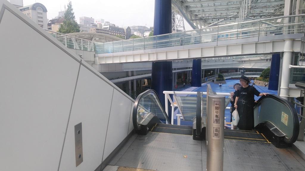 バスターミナルから東山線3