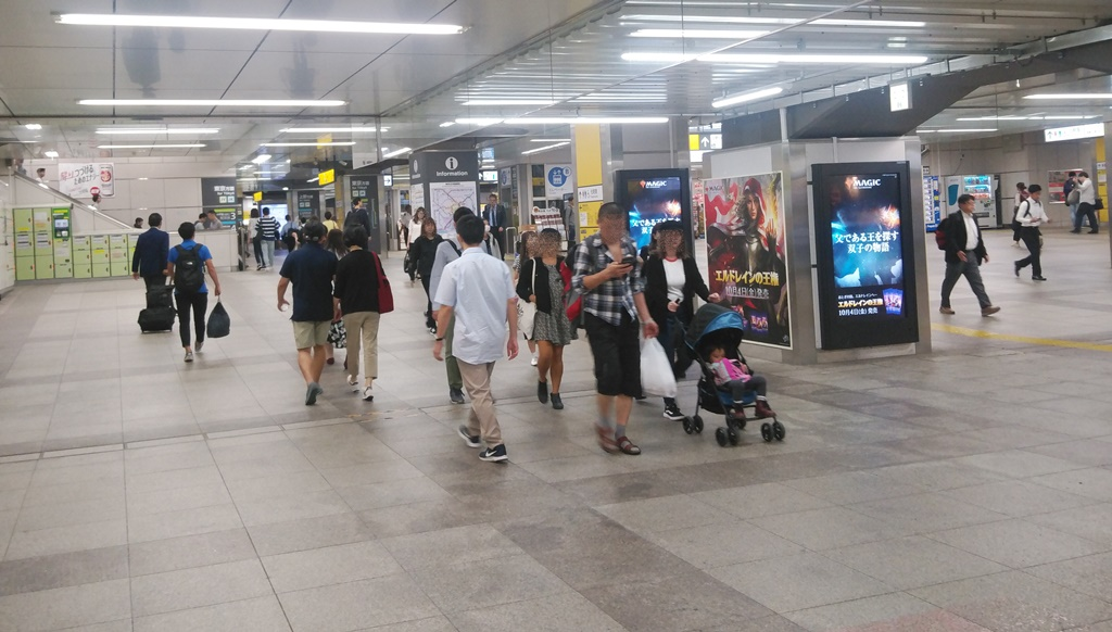 昭和通り改札から山手線3
