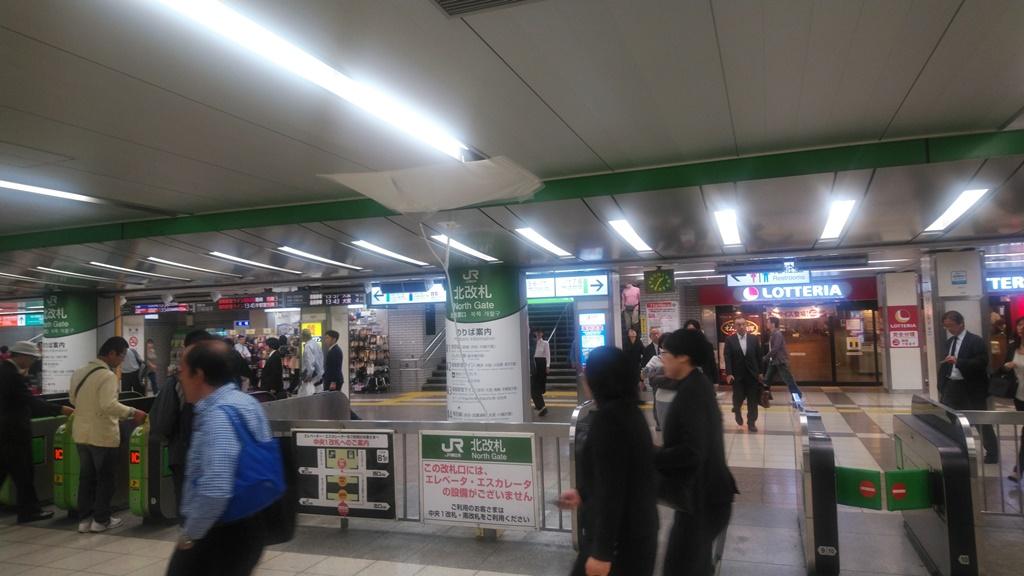 東武からJR北口3