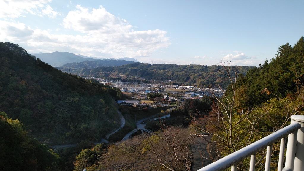 浦山ダムへ1