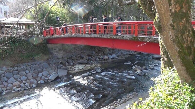 恋愛成就の赤い橋