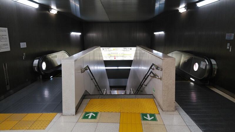 丸ノ内線から都営新宿線6