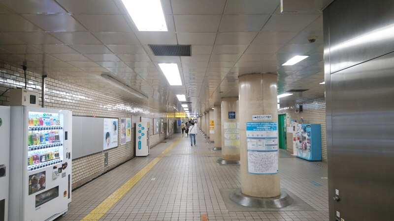 千代田線から都営新宿線4