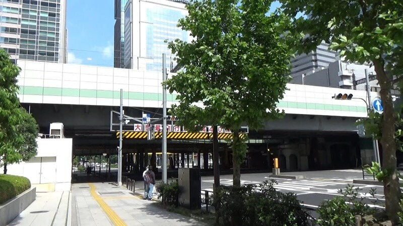 東京駅JR高架下