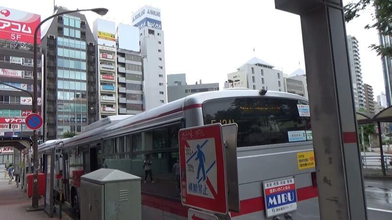 バス2台待ち