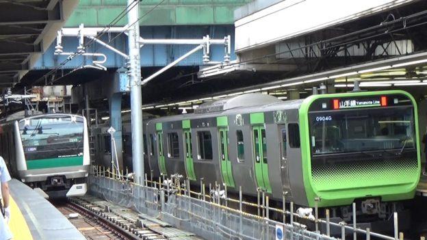 山手線と埼京線が並ぶ
