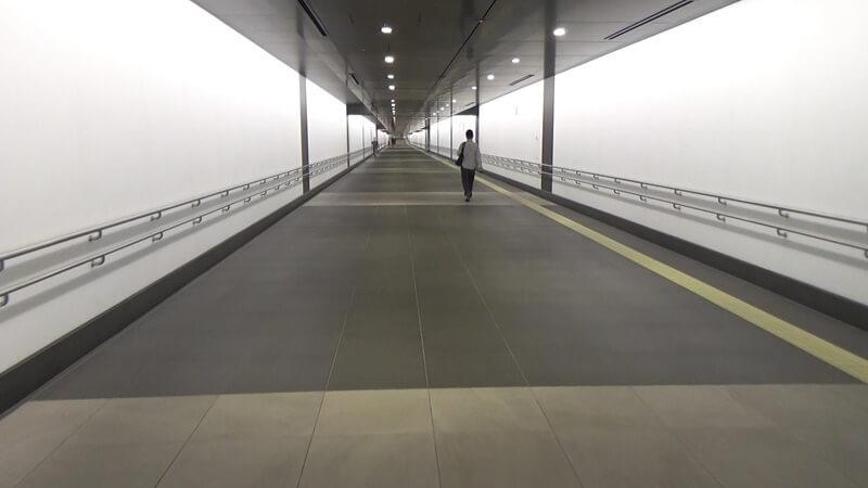 虎ノ門ヒルズから地下通路